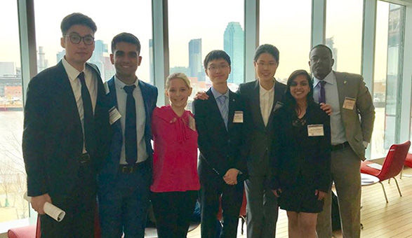 NEWS: Simon Students Take First Place in Cornell Case Competition